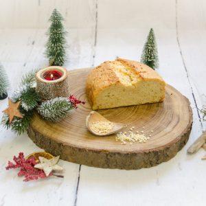 Butter-Mandelstollen ungestrichen halb