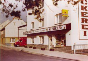Aussenansicht der Bäckerei Vieweger nach der Renovierung 1991