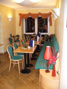 Ansicht ins Cafe im Hauptgeschäft Bäckerei Vieweger in Grünhainichen