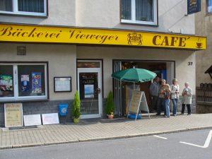 Aussenansicht der Bäckerei Vieweger nach der Renovierung des Ladengeschäfts 2003
