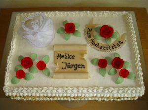 Rechteckige Silber-Hochzeitstorte aus Buttercreme mit Aufsteller