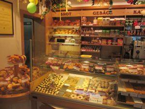 Ansicht Theke linke Seite - Hauptgeschäft - Bäckerei Vieweger - Grünhainichen